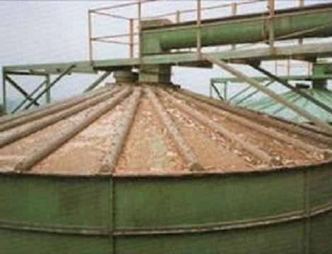 Before-Siló lemez tető tisztítása