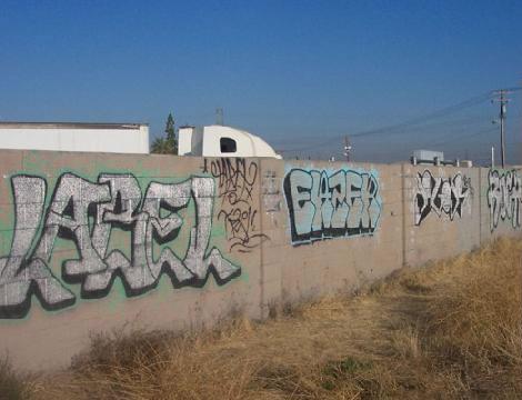Before-Graffitik tisztítása